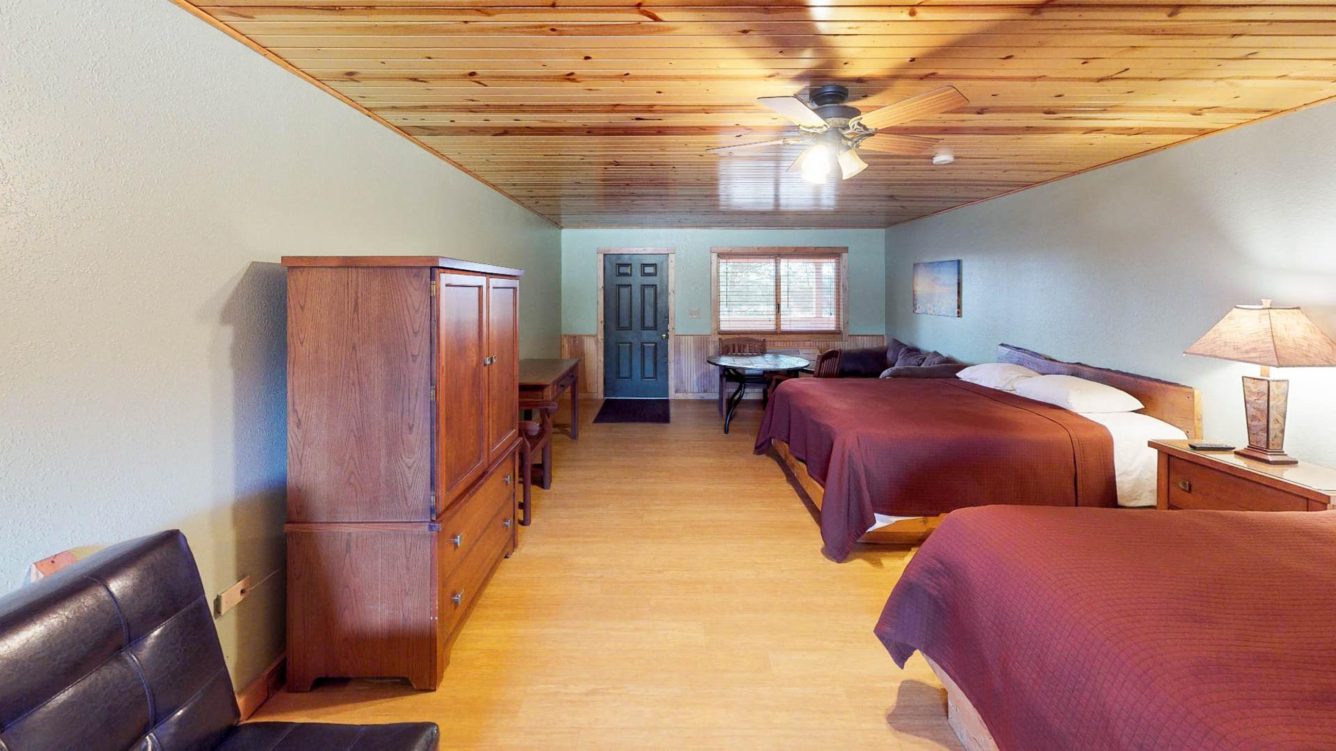 Lodge #205-2.jpg