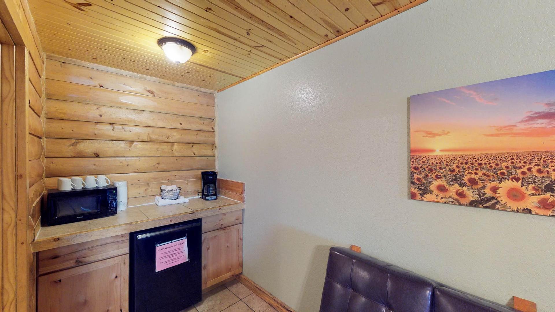 Lodge #105-6.jpg