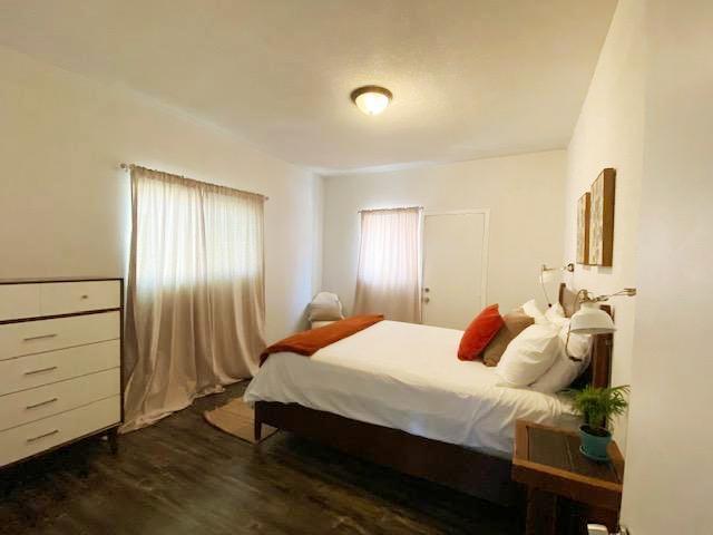 UPPER UNIT BEDROOM - 1116 ROWAN AVE