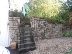 jardin avant la terrasse suspendue
