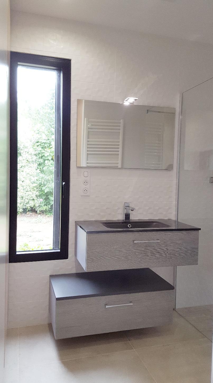 Salle d'eau ouverte sur chambre
