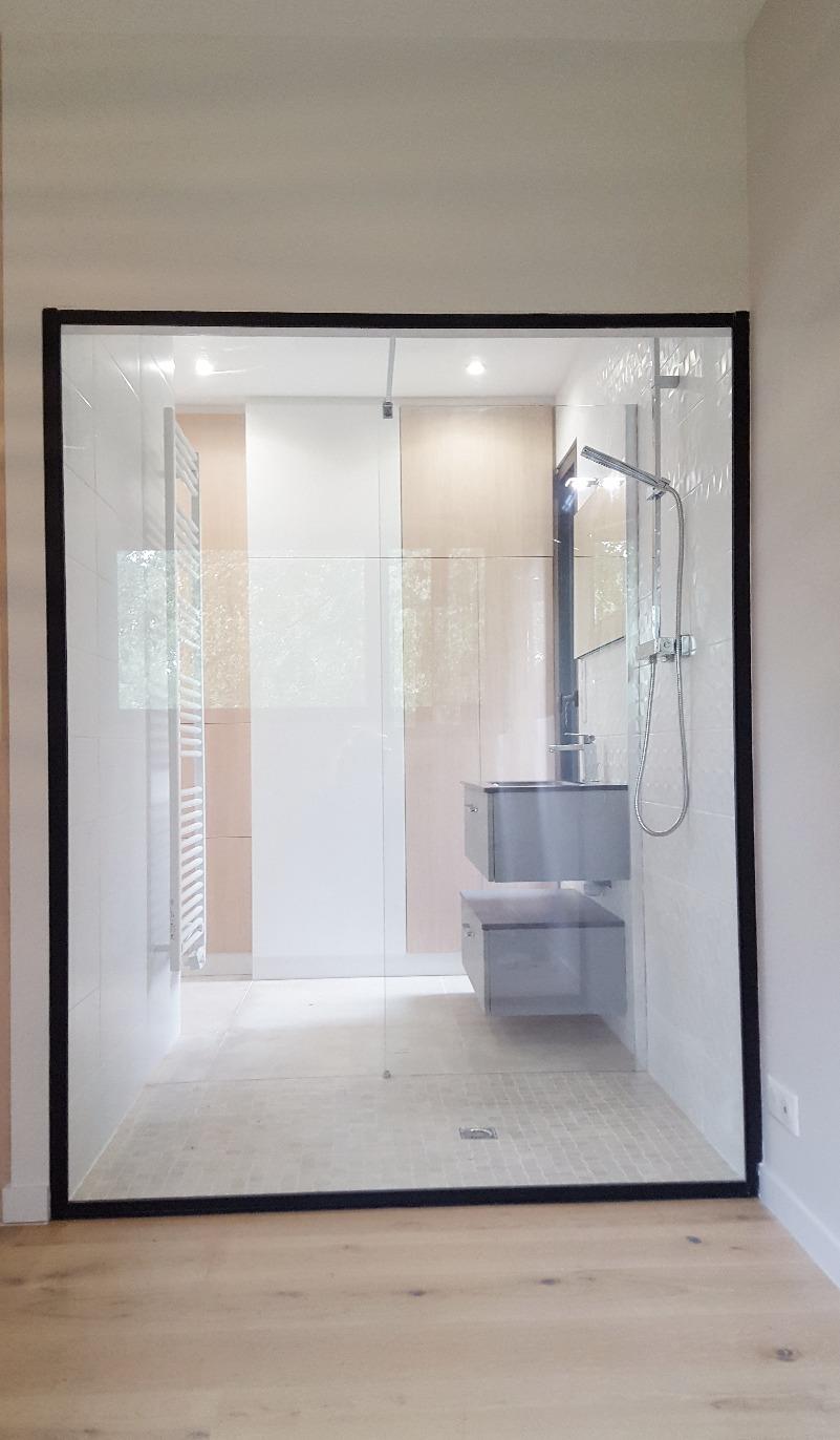 paroi douche salle d'eau ouverte