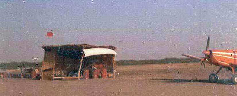 V†r hangar_2.jpg