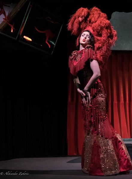 Bella Louche Burlesque at the bones.jpeg