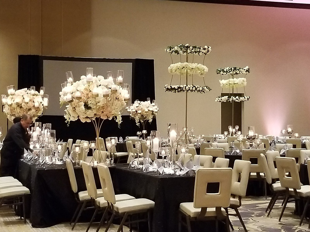 We love the unique decor designs for this wedding weekend! It still embodies the South Asian culture with a Texas flare.