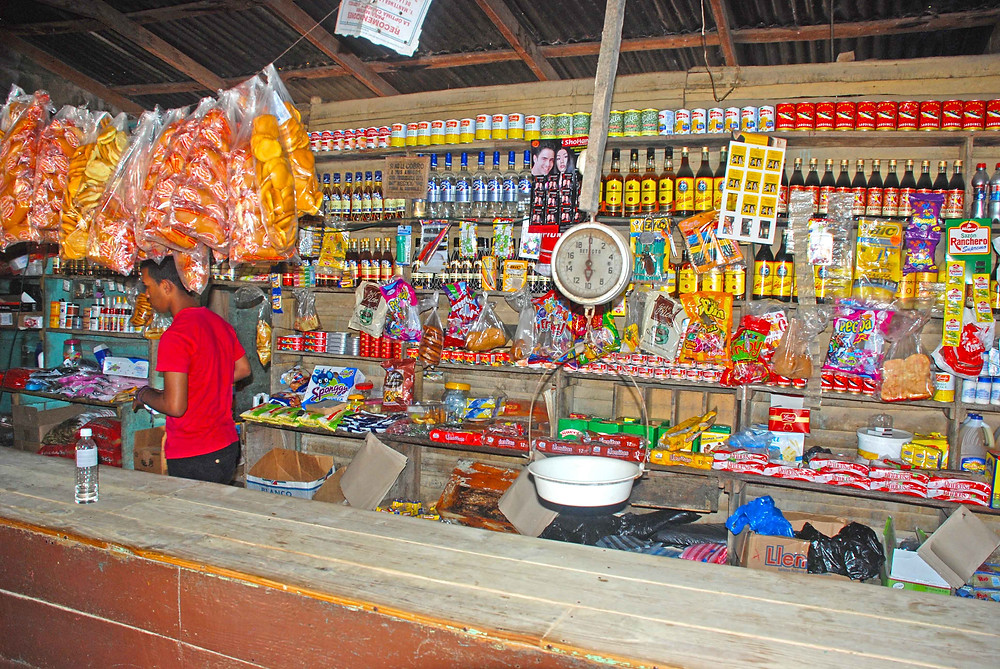 The interior of a country store in Los Cerezos.
