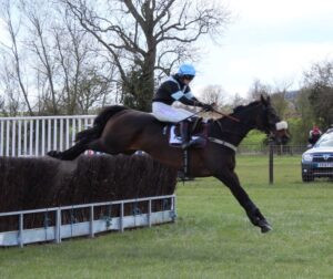 Alice Stephens and Summer Sounds win the Ladies