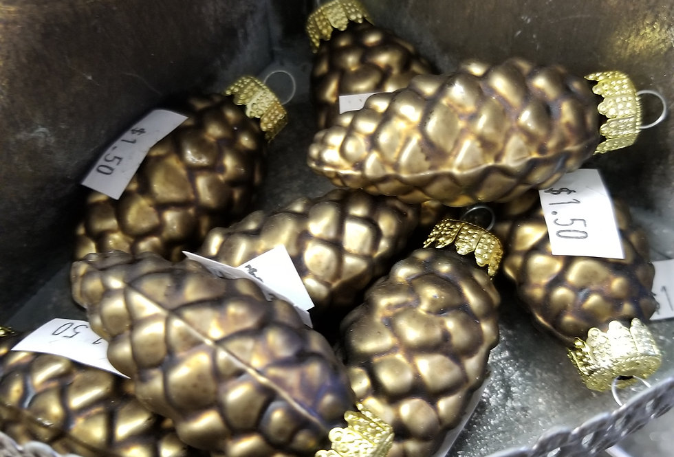 "Matted Gold Pinecone w/gold top - 2""   (M1)"