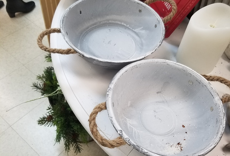 "Metal Rustic White Bowl with Rope Handles - 10"" - (994462)"