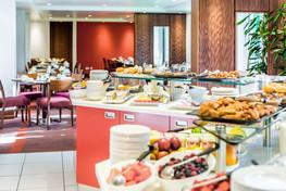restaurant-food-servery-dining-area-interior-photographer