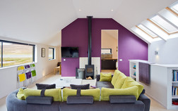 interior-photography-bright-modern-holiday-home-purple-feature-wall