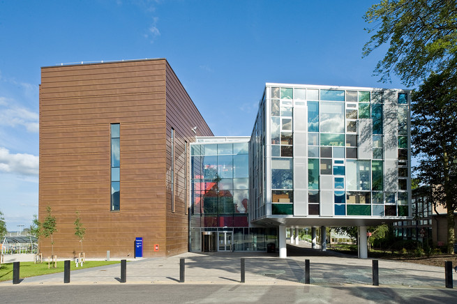 exterior architectural photography of the Roslin Institute entrance