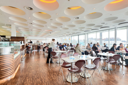 harvey-nichols-edinburgh-restaurant-people-dining-waiter-interior-photography