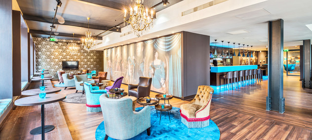 interior hotel photography of bar and lounge to Motel One in Edinburgh