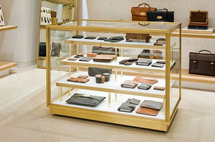 Mulberry-Edinburgh-purse-display-case-retail-photography