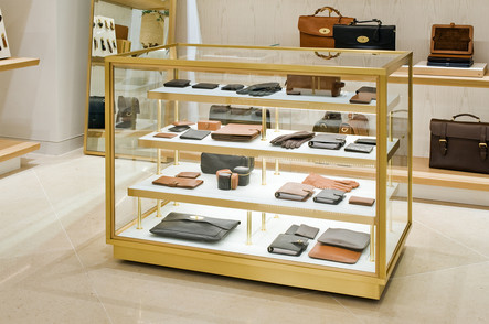 Mulberry-Edinburgh-purse-display-case-retail-photography