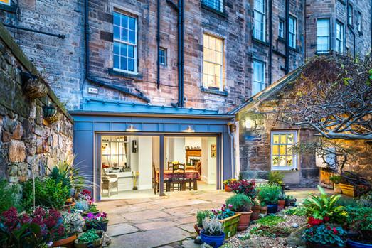 dusk-photography-garden-room-extension-period-tenament-Edinburgh