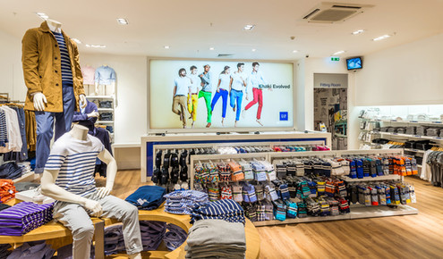 Gap-store-glasgow-shop-display-retail-photography