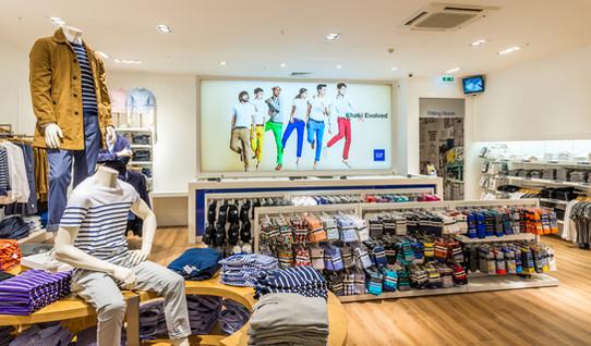 Gap-store-glasgow-shop-display-retail-photography