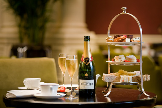 Balmoral-Hotel-bolinger-afternoon-tea-commercial-photography
