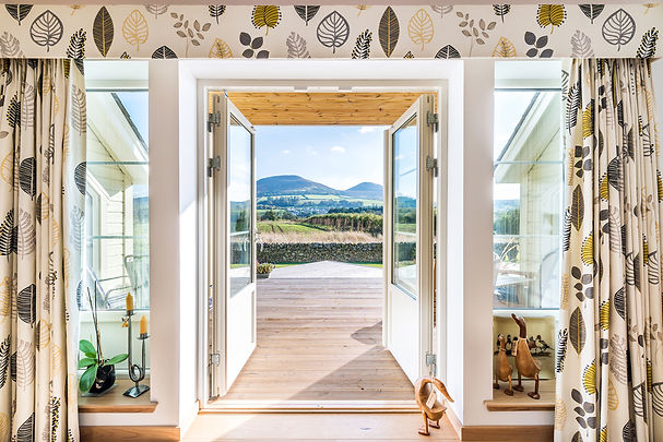 view-mountains-through-glass-doors-house-photographer