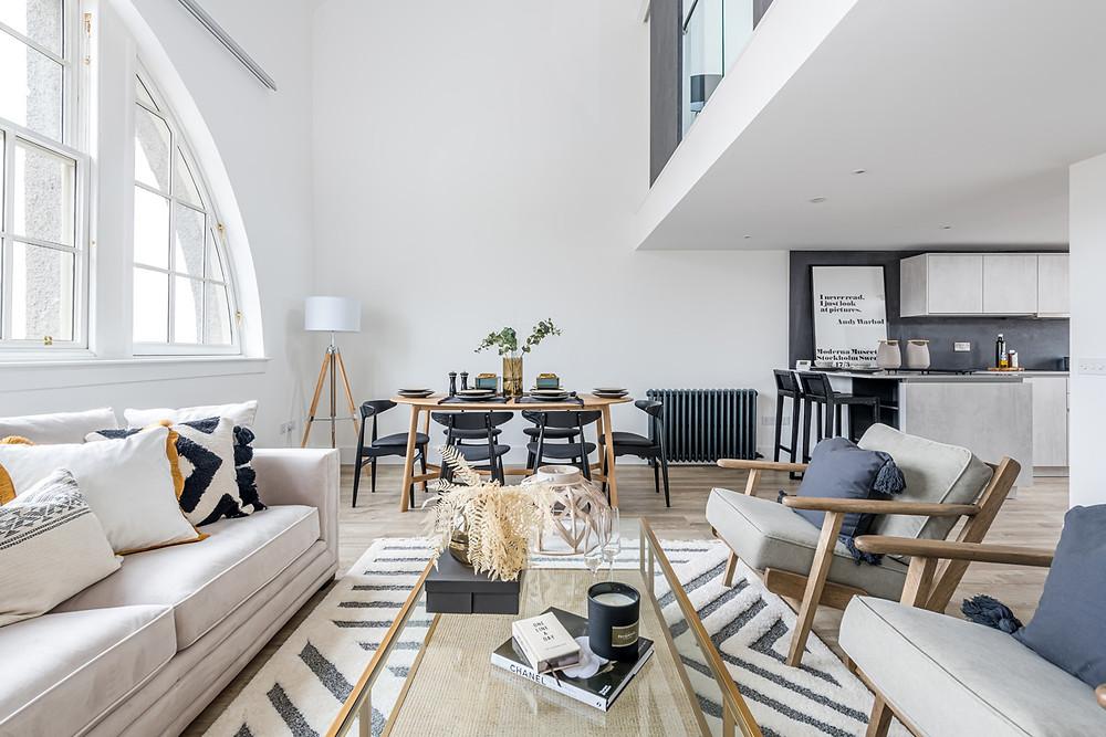 lighting-tips-interior-photography-modern-open-plan-living-room