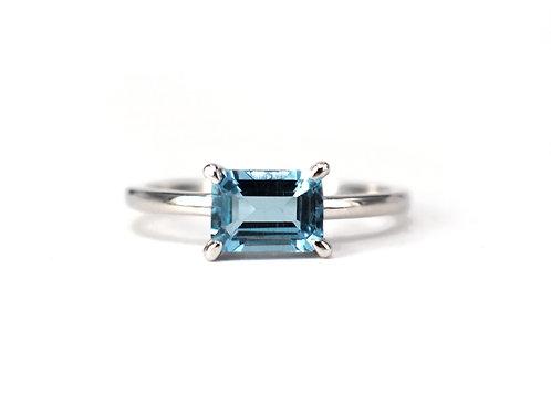 Baguette Cut Aquamarine Solitaire Ring