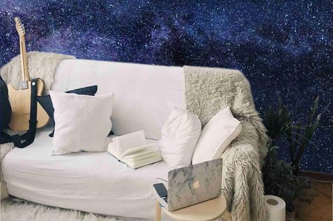 kosmoss uz sienas.jpg