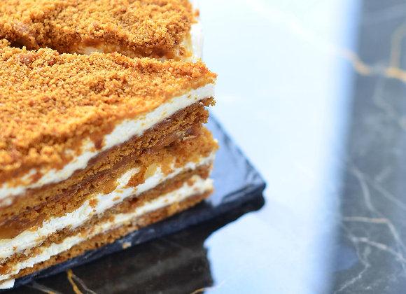 Торт медовик (порция)