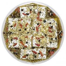 eingelegte Schafskäsein Kräuter und Knoblauch