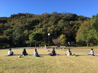 【外でやるヨガ開催!】どよーが 赤塚山公園