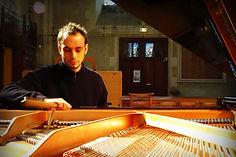 Charles Perrard, accordeur et réparateur de pianos