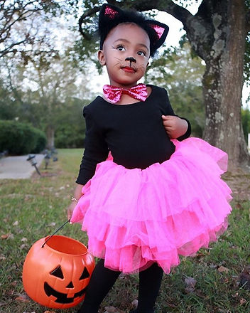 Halloween is not a day. It's a lifestyle. 😽🎃 #kidsphotography #blackcat _cc_ __brock.jpg