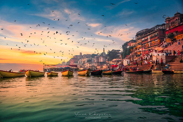 The Varanasi- The Divene City_03.jpg