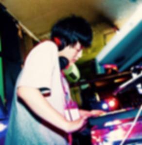 DJ ジョンみかみ.png