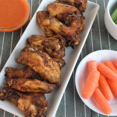 crispy chicken wings with buffalo sauce & ranch dip