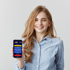 Persona joven mostrando App.jpg