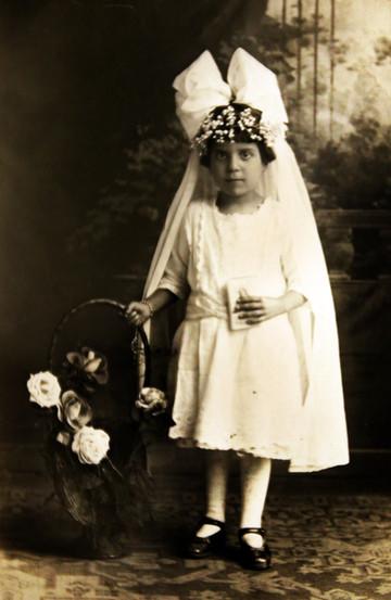 1919-Clara.jpg