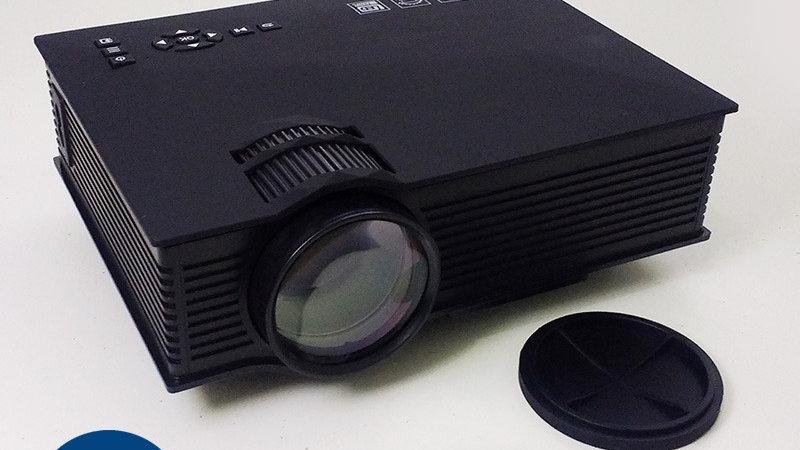PROJETOR DE LED 1200 LUMENS ATE 130 POL DATA SHOW HDMI  UC 46+ WIFI