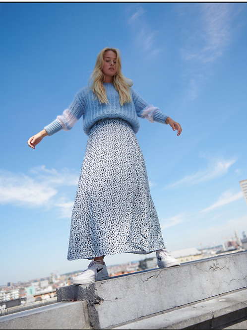 Lee And Mee Chilly Long Skirt Blue Flouwers