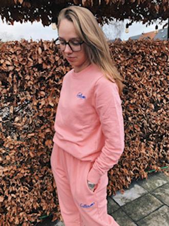 Follovers Kourtney Pink.CrewNeck Sweater