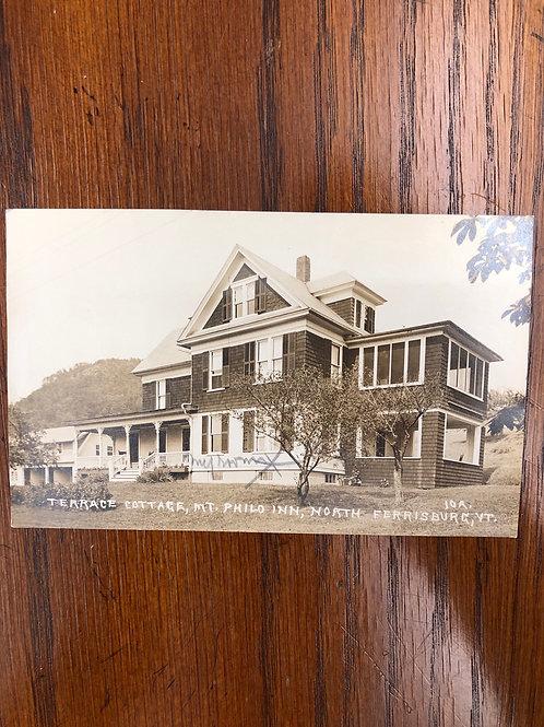 North Ferrisburg, Vermont - Terrace Cottage Mt. Philo Inn
