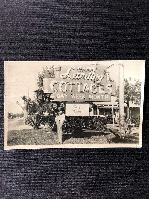 Happy landing cottages - Saint Petersburg, Florida 1954