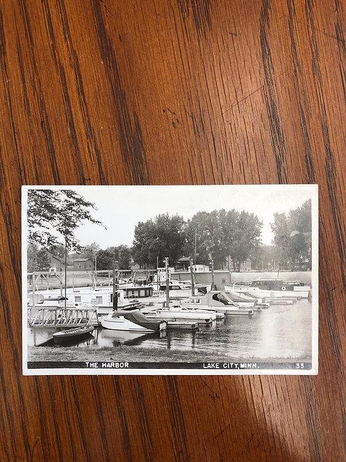 Lake city , Minnesota - The harbor -