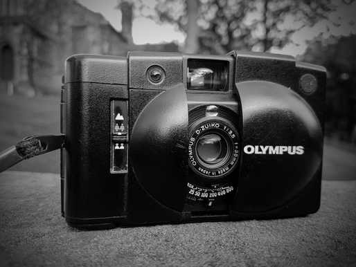 REVIEW. OLYMPUS XA2 COMPACT CAMERA.