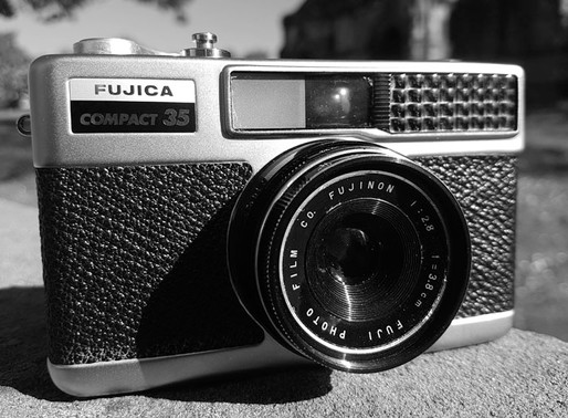 REVIEW: FUJICA COMPACT 35MM FILM CAMERA.