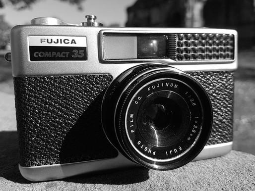 REVIEW: FUJICA COMPACT 35MM FILM CAMERA.