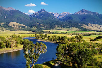 beautiful-paradise-valley-of-montana-mar