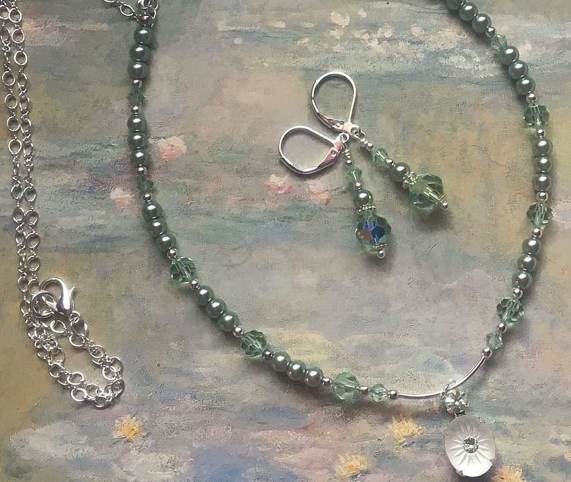 Green Crystal and Pearl Necklace Set