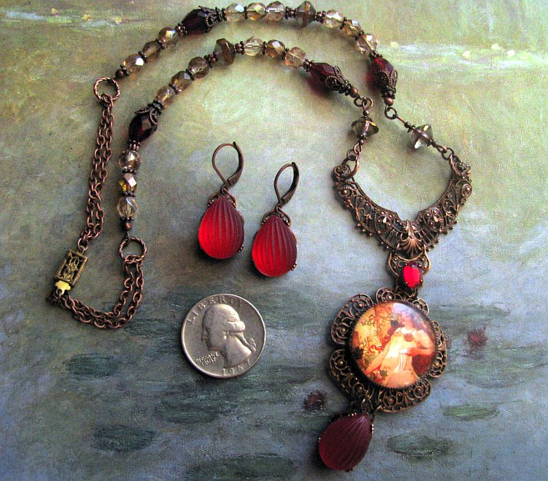 Mucha Autumn Necklace Set
